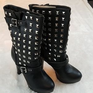 * N.Y.L.A 'Apollo' 7.5 studded platform boots